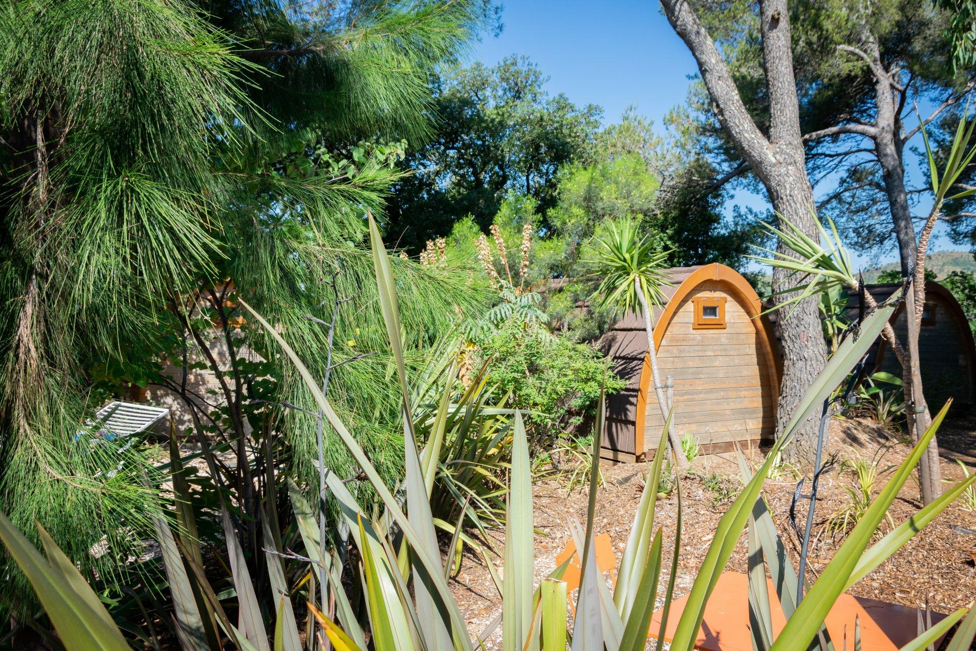 Terrasses aménagées cabanes camping