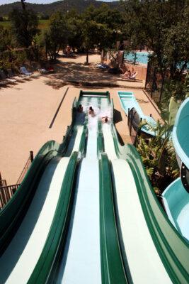Espace aquatique Piscine chauffée Toboggan Jeux aquatiques