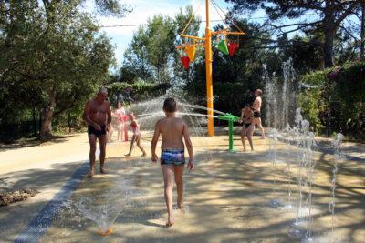 Toulon Espace aquatique Jeu d'eau Vacances Enfants Amis