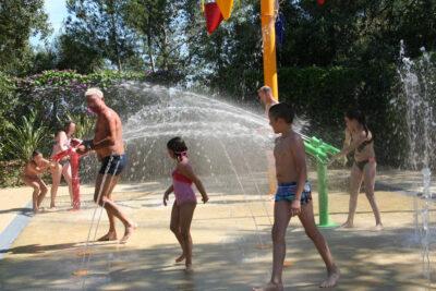 Camping La-Londe-les-Maures Jeux d'eau Piscine chauffée