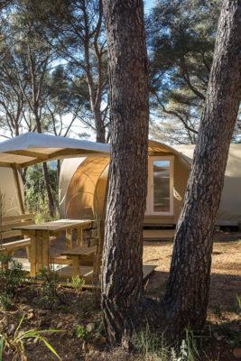 Location de tente équipée en camping au paradis de la côte d'Azur