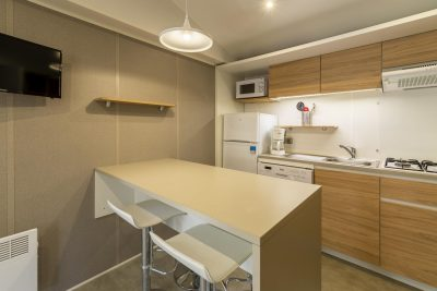 Mobile-home luxe cuisine comptoir en camping