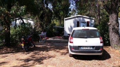 Grands emplacements de mobile-home pour 4 à 6 personnes en camping dans le Var