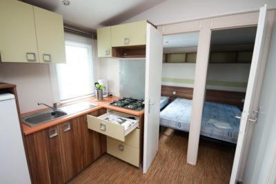 Location de mobile-home top confort pour 6 personnes en camping avec parc aquatique