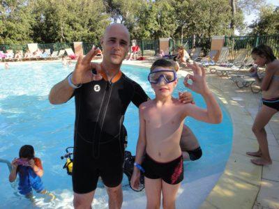 Baptême de plongée en piscine - camping Var