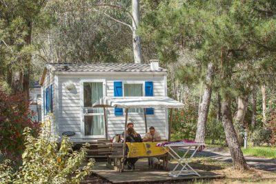 Mobile-home haut de gamme avec air conditionné en camping 4 étoiles dans le Var