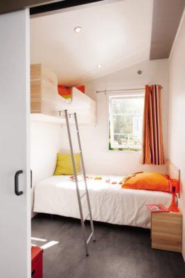 Mobile-home climatisé accessible PMR en camping 4 étoiles dans le Var