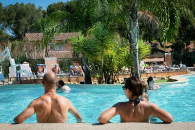 Piscines chauffées Solarium Bain à remous Spa Pataugeoire Grand bassin