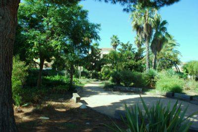 Camping vert à La-Londe-les-Maures, ombragé et nature