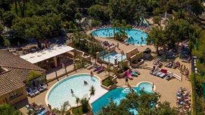 4 piscines toboggans jeux aquatiques entre Hyères et La Londe