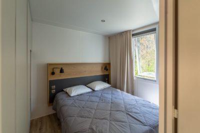 Villa chambre 1 - vacances Var - camping 4 étoiles