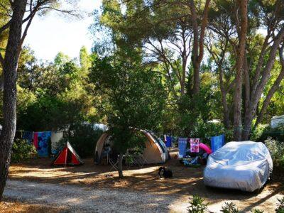 Caravaning sur emplacement XXL pour des vacances en camping avec parc aquatique