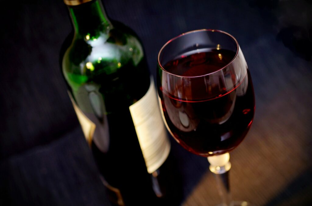 L'attribut alt de cette image est vide, son nom de fichier est wine-541922_1920-1024x678.jpg.