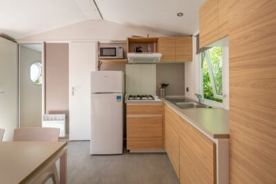 Mobile-home climatisé en camping dans le Var