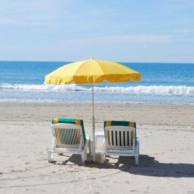 La plage de la Pointe de Gouron à Bormes-les-Mimosas, le sable fin et le soleil du Var